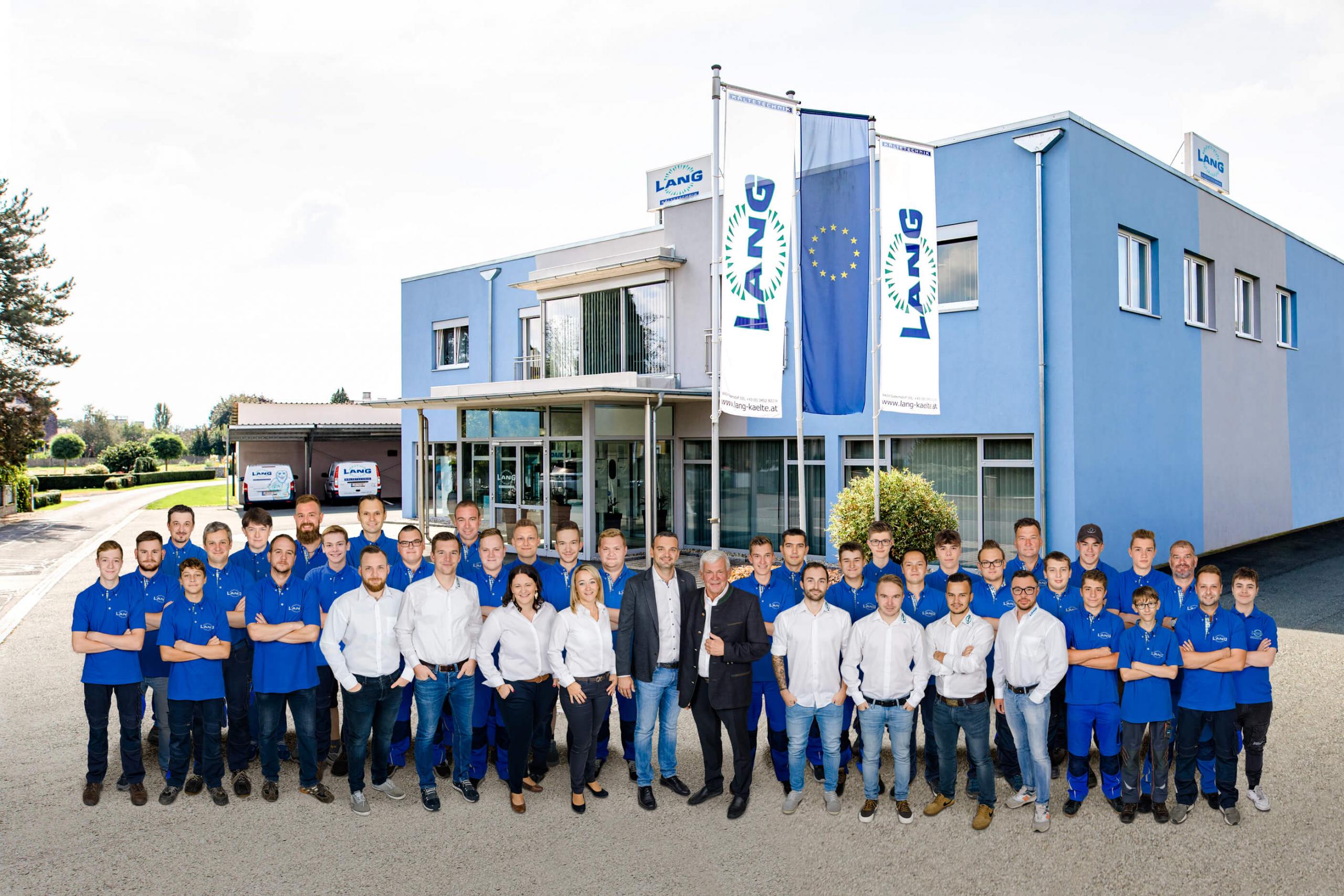 Gruppenfoto Mitarbeiter & Firma